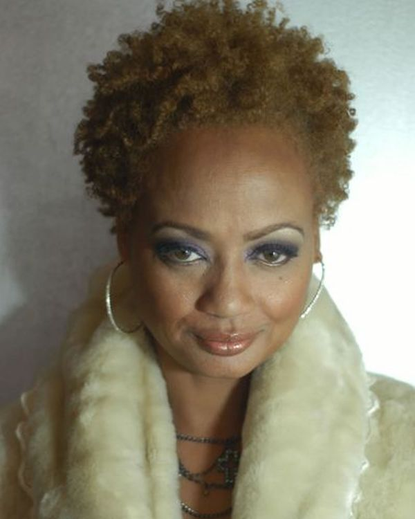 Cool styles for older black women with short hair 4