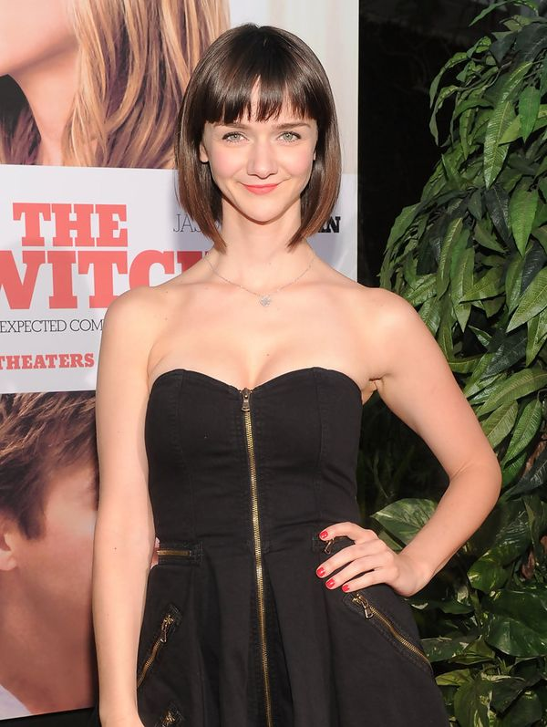 Short Length Hairstyles with Blunt Bangs 4