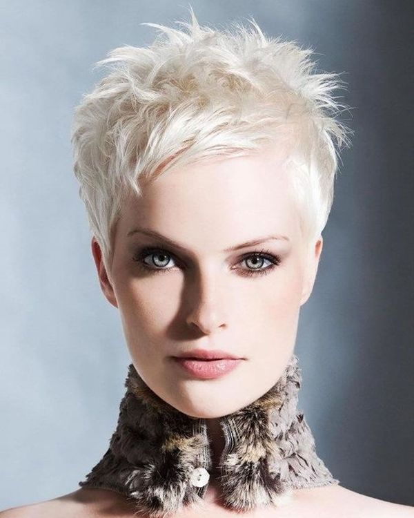 Very Short Pixie Haircuts for Women 4