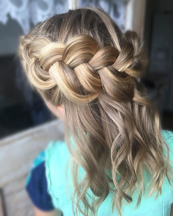 Gorgeous Boho Hairstyles for Medium Hair 4