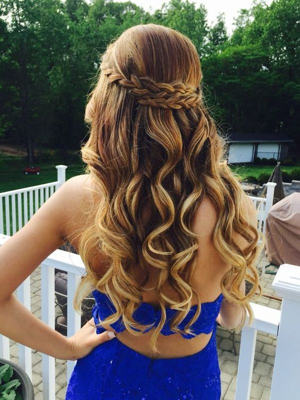 The Best Prom Hairdos for Long Hair 1