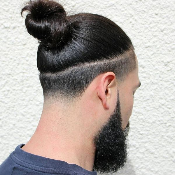 How to tie a man bun 1