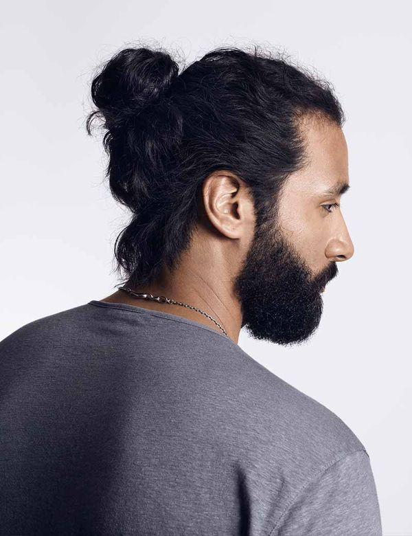 Modern messy man bun hairstyles for guys 3