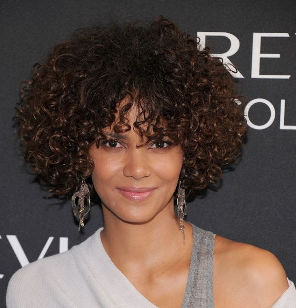 Tight Curly Hairstyles for Ladies with Chin Length Hair 1