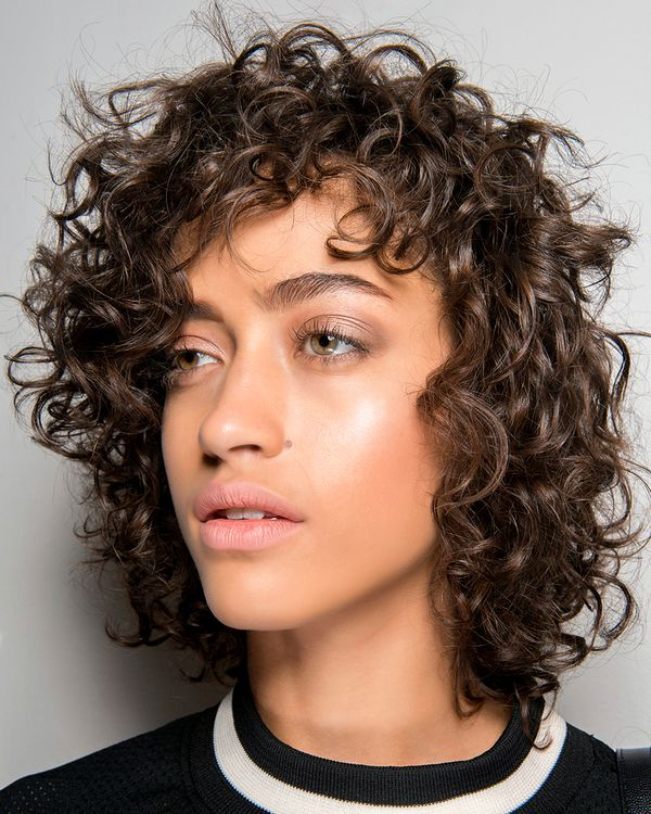 Awesome curly shag haircut styles 2