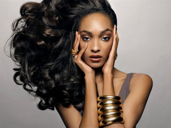 Nice Long Wavy Hairstyles for African American Women 1