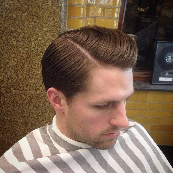 Awesome hairstyle with side parting for guys 2