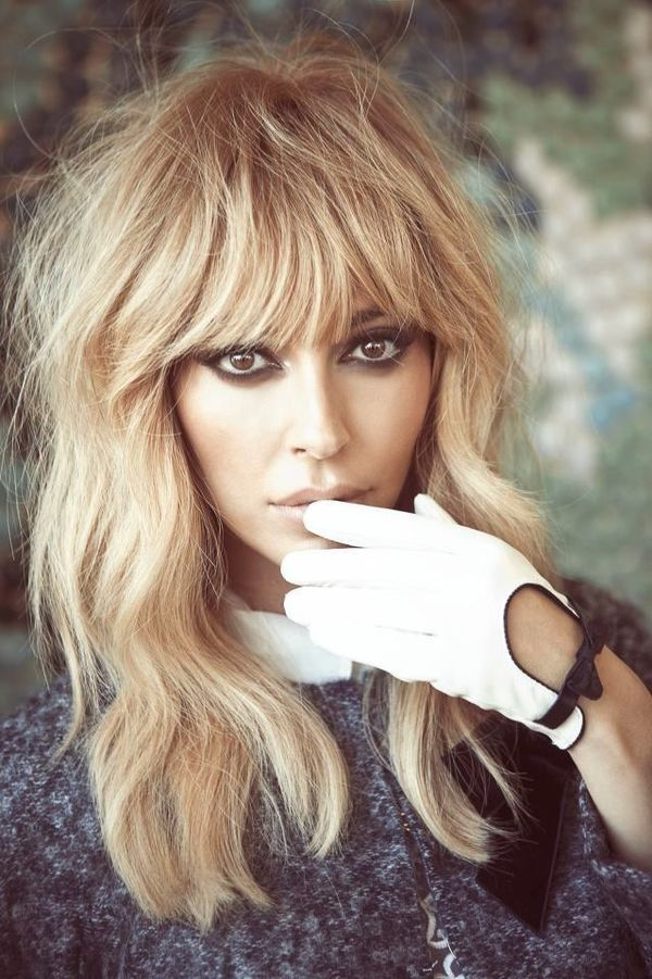 Hairstyles for Long Blonde Hair with Bangs 2