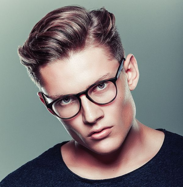 Modern side part hairstyles for men 1