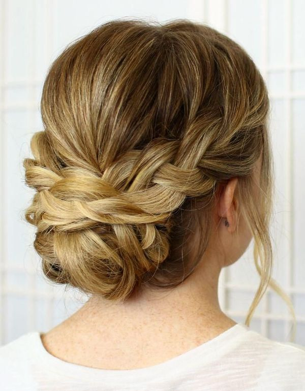Cute Formal Wedding Styles For Women With Long Hair 2