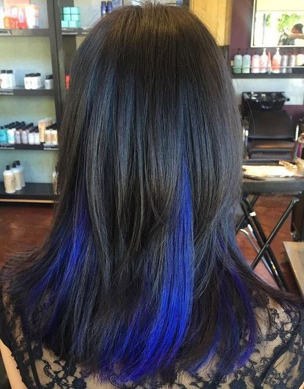 Interesting Blue Peekaboo Hairstyle Ideas 3