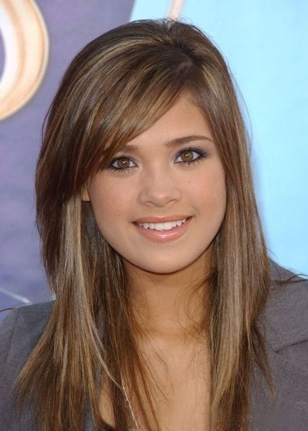 Types of Bangs Perfect for Round Face And Small Forehead 1