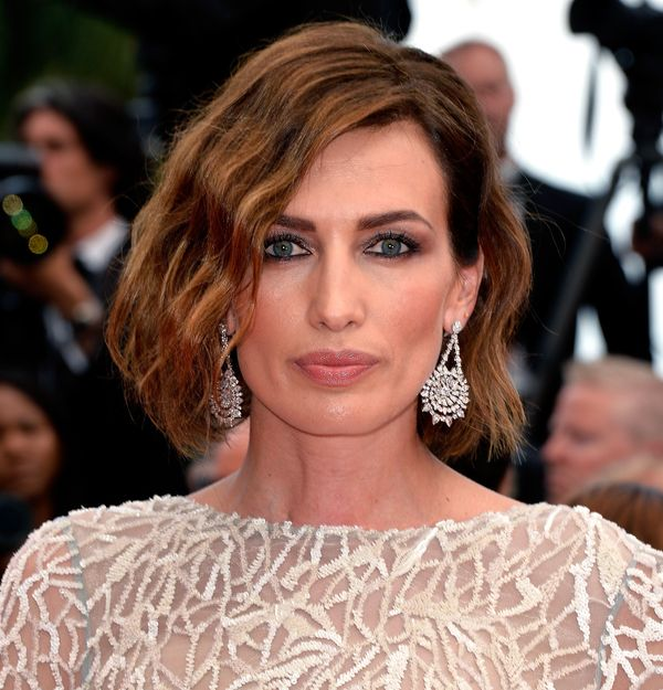 Beautiful hairstyles for short brown wavy hair 1