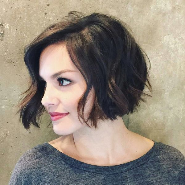 Beautiful hairstyles for short brown wavy hair 3