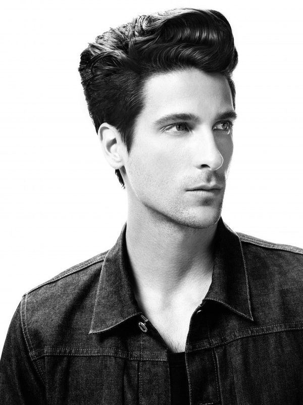 Classic Pompadour Hairstyles to Look Like Elvis 1