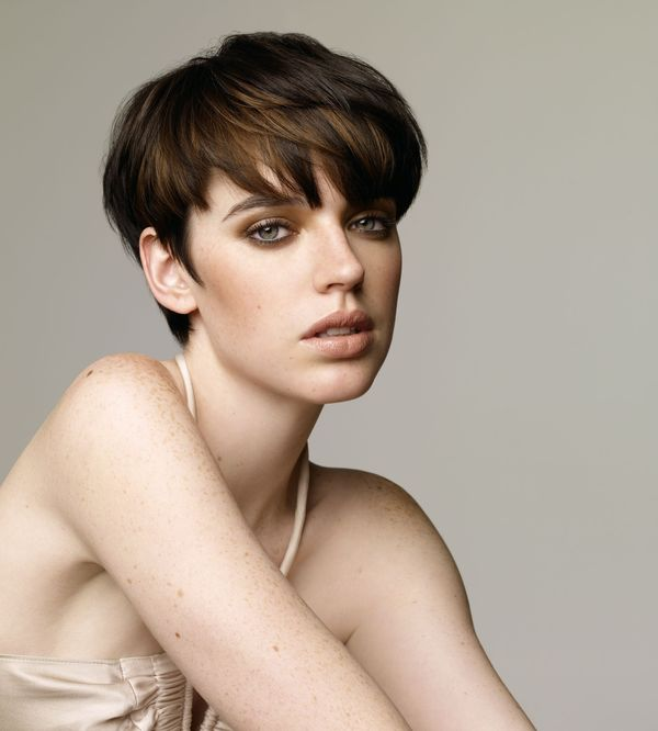 Cool short straight hairstyles for women 2