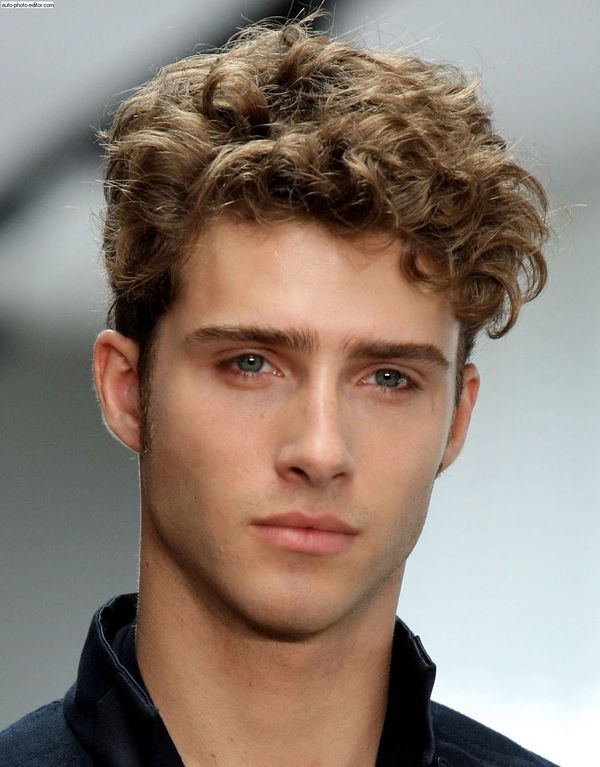 Mens Messy Hairstyles For Wavy Hair 8