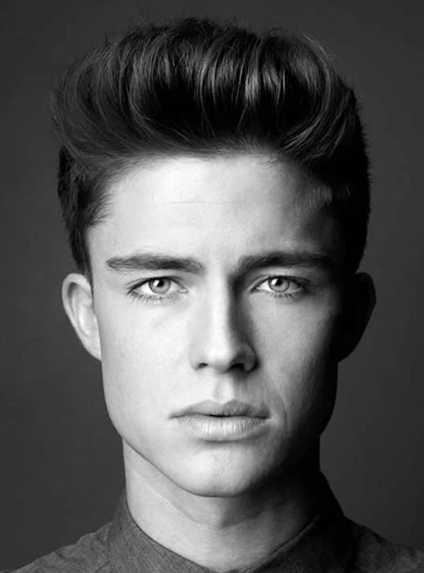Modern Pompadour Hairstyles for Men 4