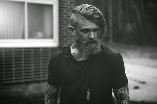Sexy Male Hairstyle Undercut Top Knot 2