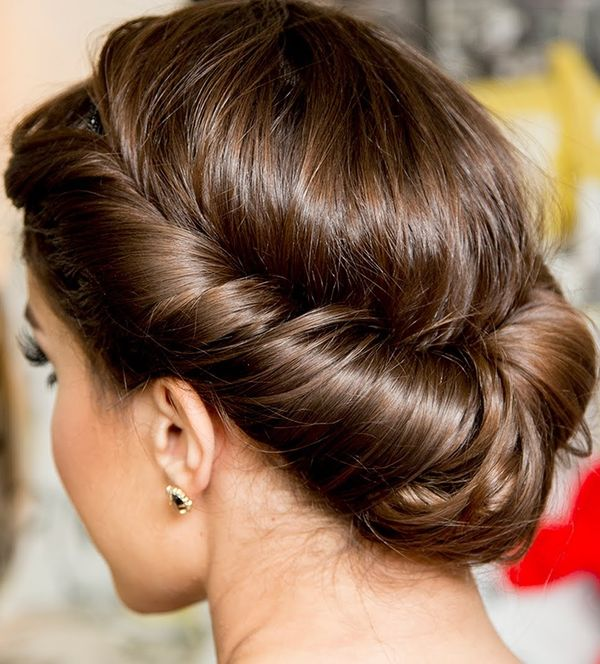 Shoulder Length Hairstyle Updos For Women 2