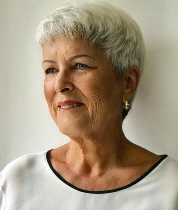 Easy Short Haircuts for Women over 70 1