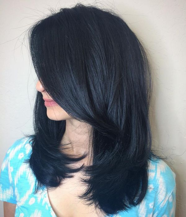 Beautiful black hair with blue tint 2