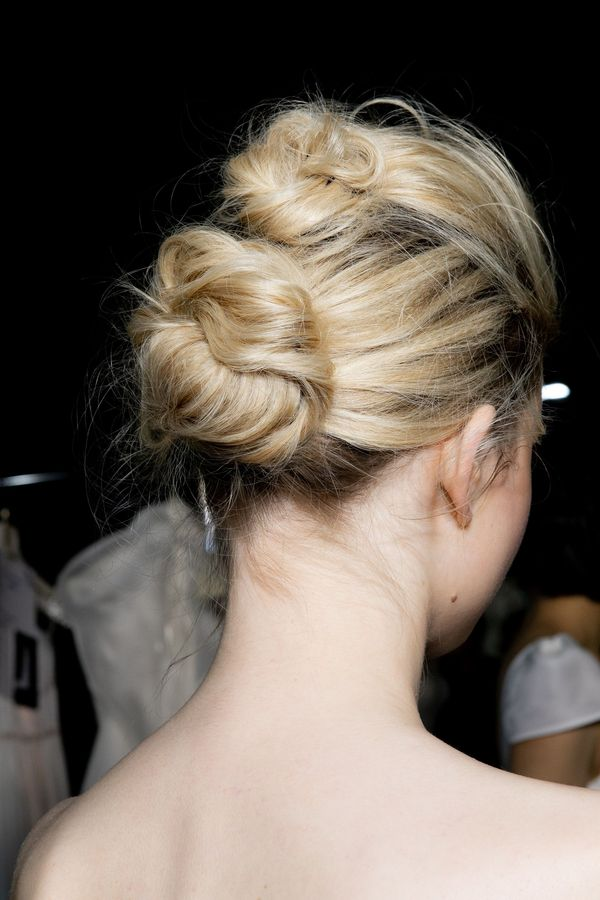 Super Cute and Easy Updos for Long Hair 2