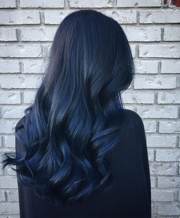 Beautiful black hair with blue tint 5