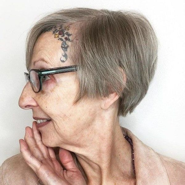 The Best Hairstyles for a 70-Year-Old Woman 5