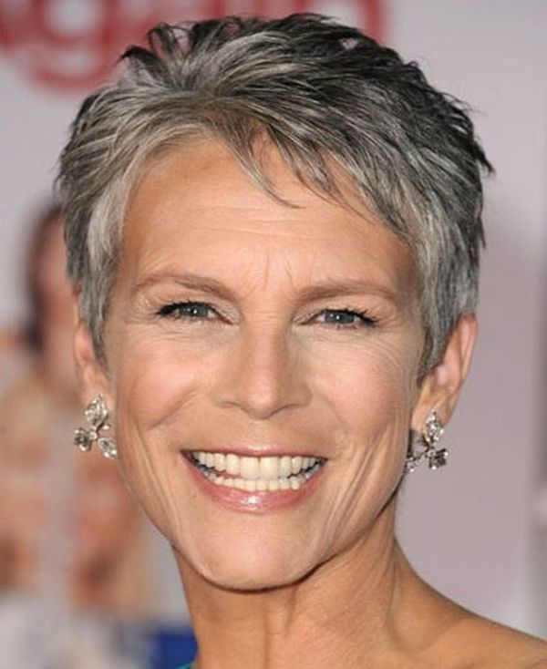 The Best Hairstyles for a 70-Year-Old Woman 3